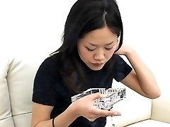 די יפנית עישון, יריקה