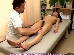 Slutty Japonski najstniških kurba uživa Japonski sex masaža