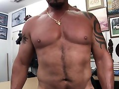 Muscled amateur throats