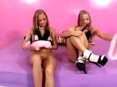 The Milton Twins Are Horny Teenyboppers