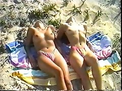 Erotic Shoot On The Beach (Vintage)