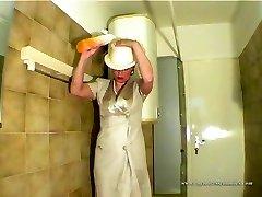 aspect umed curva epocă îmbrăcați în duș murdar