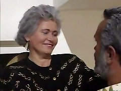 Retro German Grandma R20