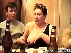 Cumming v ústach Busty Swinger Sonja
