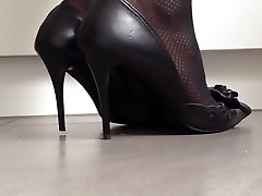 Excellently popping old-school high high-heeled shoes