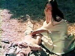 יותר מציצן - 1973