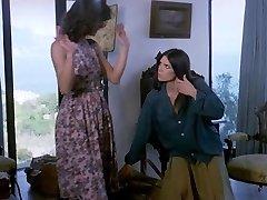 La Sorella Di Ursula Girl/girl Scene