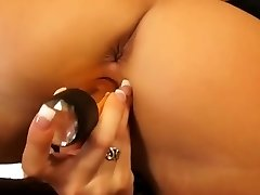 Hot pussyhole dildoing from sexy blond