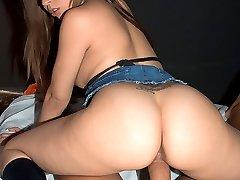 Mulatta hottie gets her bottom knocked out