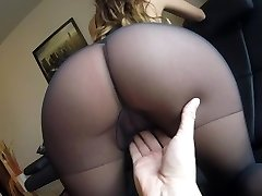 Sexy Cougar Claudia fucked in pantyhose