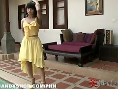 Thajský Bargirl Nuch v zákulisí