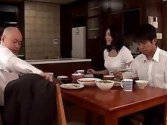 Annesi Yanında ... ... Oğlu İçin Vücut Affetmek Fujie Yoshie Dijital Mozaik Takumi Kocası ...