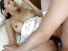 Hot Japanese sestra Yuki Тоума Гтэс Prikovan DM720