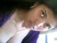 دختر هندی زیبا, برهنه