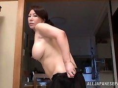 Wako Anto kuum küps Asian babe asendis 69