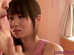 Petite asian pornographic star Yumeno Aika cumswapping