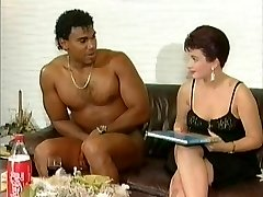 Milky lady get suprised by a naked ebony cock