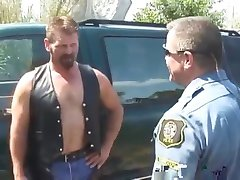 Lusty Cop Fucks Hot Dude   -  nial