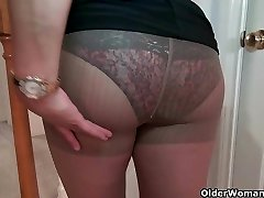 Chesty milf Mia Jones strips off and smashes a dildo
