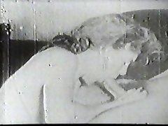 Hot slut fellating vintage cock
