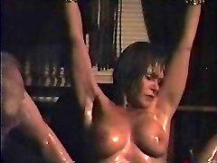 Amber - Boddy flogging
