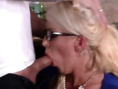Vintage mom milf and hand job first time My pal's step daught
