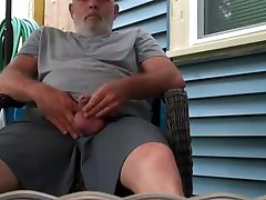 Str8 daddy play in backyard