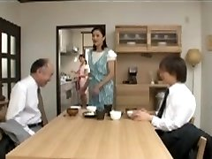 Japanski mama brine za dječaka prije spavanja