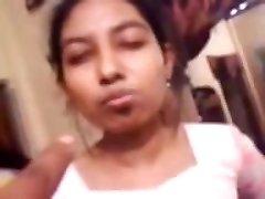 Bangladešas Pusaudžu Meiteņu Smēķēšanas & Danching