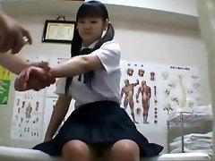 Japán iskoláslány (tizennyolc+) fúrt alatt orvosi vizsgálat