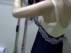 Chinese MILF Pisses, Showers, Vibes, and Drills.mp4