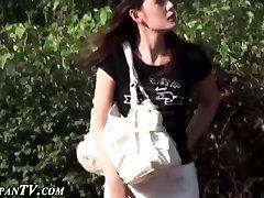 Asian ho secretly pees