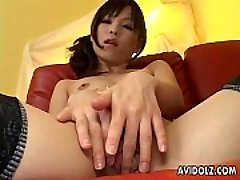 Clean Beaver Arisa Suzuki Demonstrating Off Her Pussy