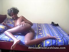 Hot African lezzie seduces black beauty