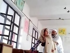 Desi head sir fuck urdu teacher college affair caught mms
