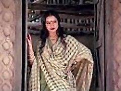 bollywood actress rekha tells how to make intercourse