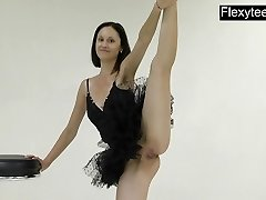 Flexyteen Markova Does Gymnastics