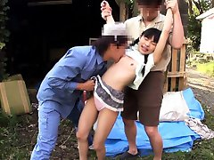 Petite asian outdoors getting licked in threeway