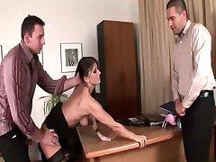 Kuum sekretär Kate on threesome
