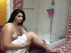 chubby webcam shower