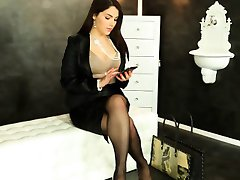 Valentina Nappi gets WAM with bukkake cum
