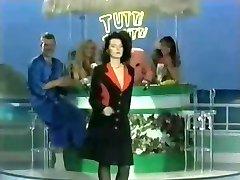 Tutti Frutti - Stora Bröst Striptease