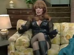 Peggy Bundy - Katey Sagal in sexy Lederklamotten