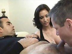 O marido chupa seus hary escravos porra