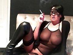 smoking milf wifey