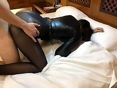 Sexy housewife in pantyhose crimson high heel