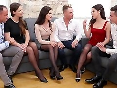 3 pairs of Swingers gave each other a soiree with groupsex