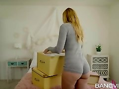 Alexa Grace In Moving Day