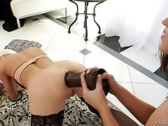 Ass Inside-out and gaping with Roxy Raye and her girlfriend
