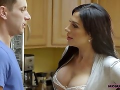 Alluring torrid Jaclyn Taylor is fond of facesitting during MFF threesome